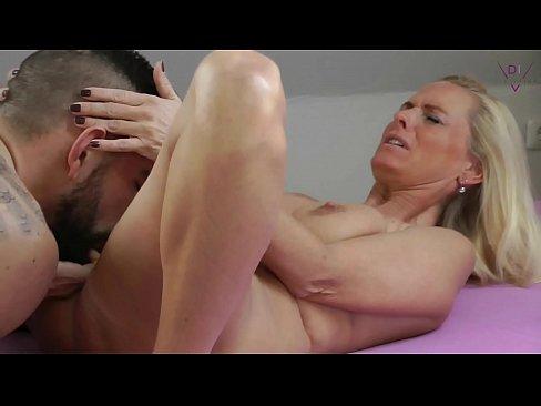 Man sex young mature woman Sexy Mature